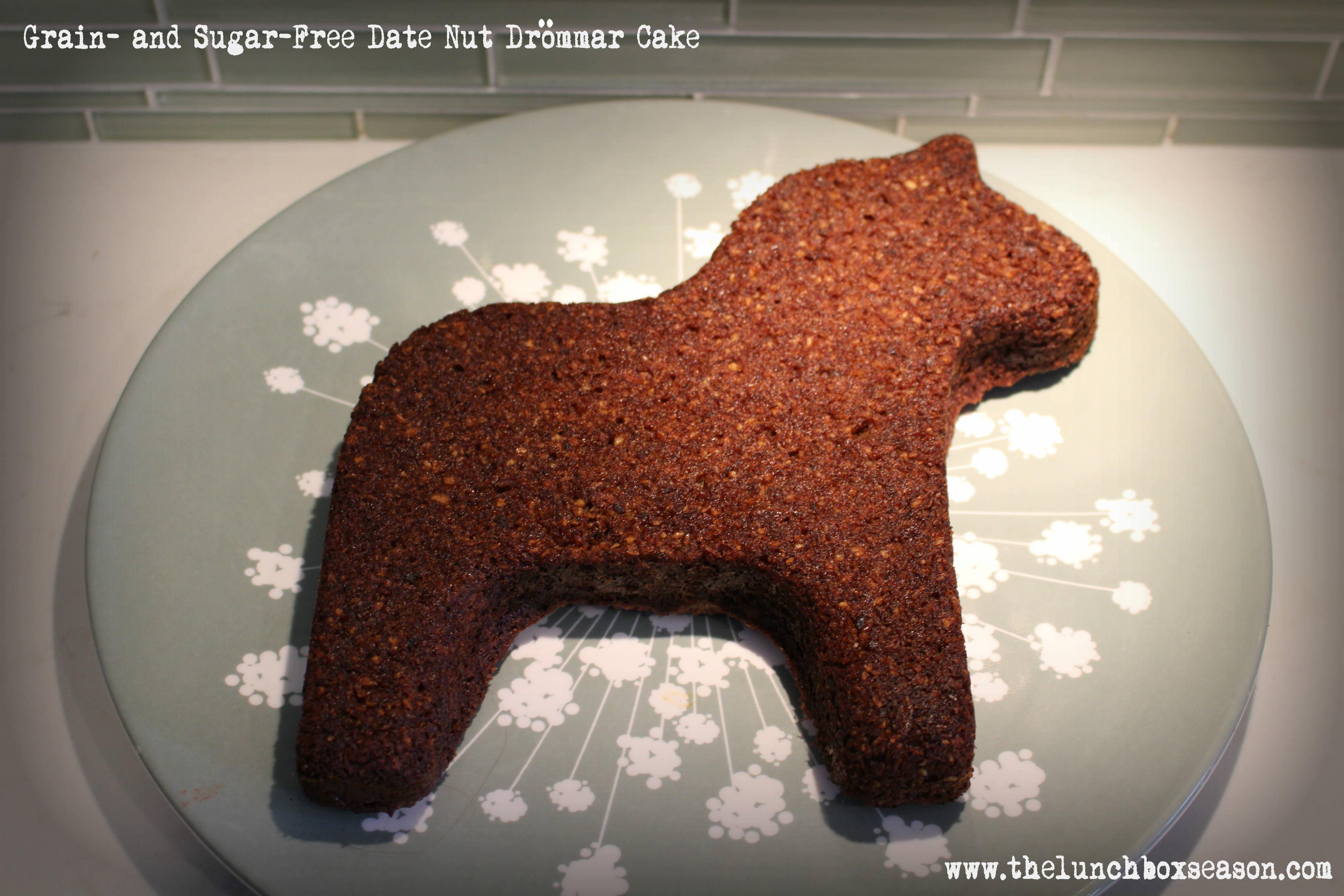 Grain and Sugar-Free Date Nut Drommar Cake
